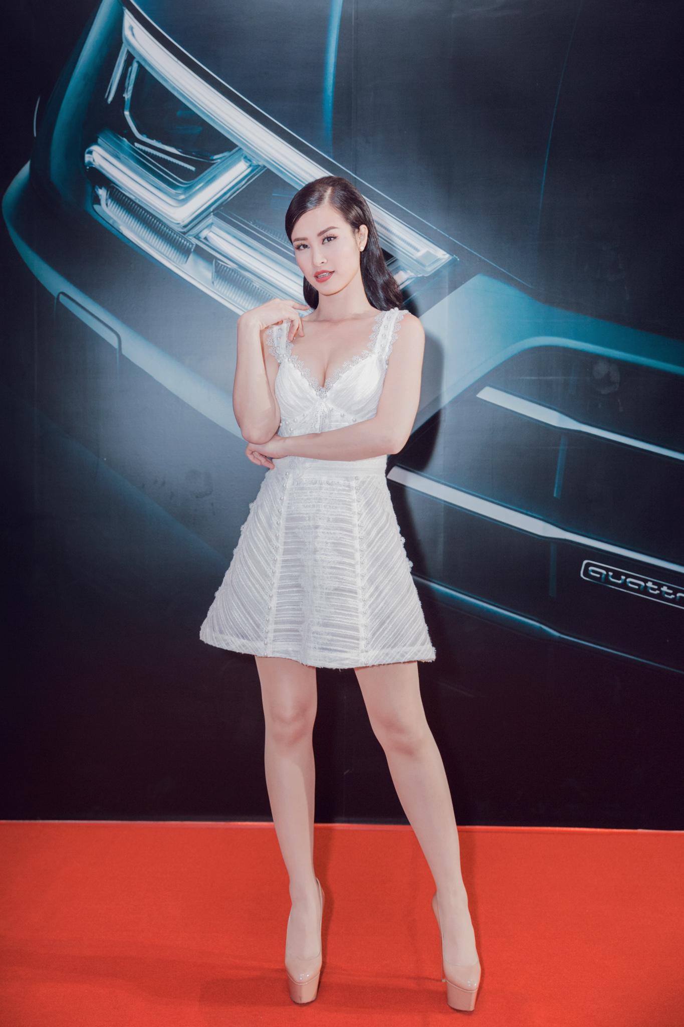 Thanh Hằng khoe vai trần, rạng rỡ đọ sắc cùng Đông Nhi tại sự kiện - Ảnh 3.
