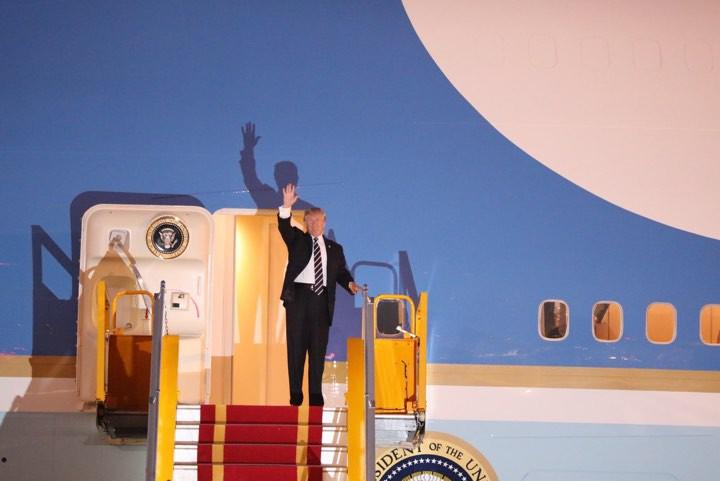 Tổng thống Mỹ Donald Trump đến Hà Nội, an ninh thắt chặt ở các tuyến phố trung tâm - Ảnh 14.