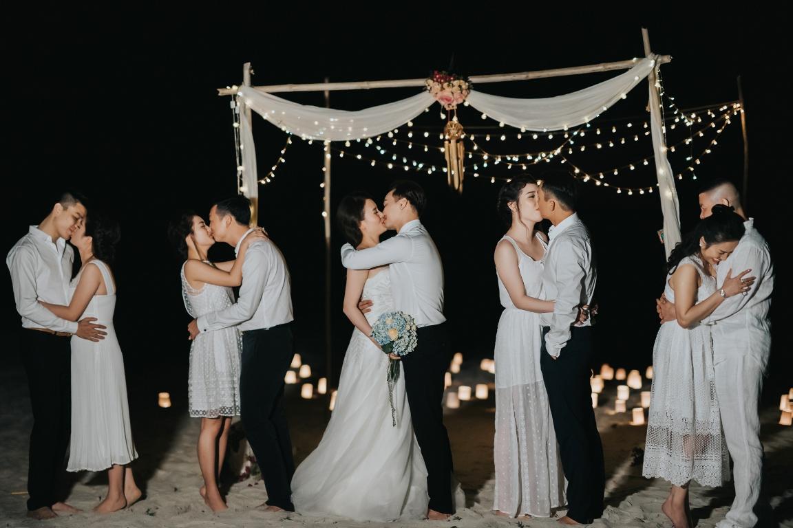 MC Thành Trung quỳ gối cầu hôn bạn gái bên bờ biển lãng mạn - Ảnh 11.