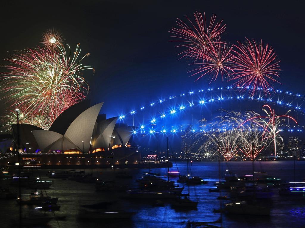 Bầu trời Úc rực rỡ thời khắc Giao thừa: Pháo hoa Cầu vồng ăn mừng nước Úc hợp pháp hôn nhân đồng giới - Ảnh 8.