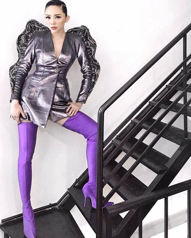 Năm nay boots cao cổ dáng ôm hot tưng bừng và Hà Hồ, Kỳ Duyên cùng rất nhiều sao, hot girl đã diện rồi này! - Ảnh 16.