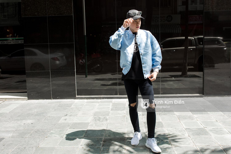 Toàn quất trắng đen nhưng street style của giới trẻ 2 miền chẳng hề nhàm chán mà còn nổi hết cỡ - Ảnh 7.