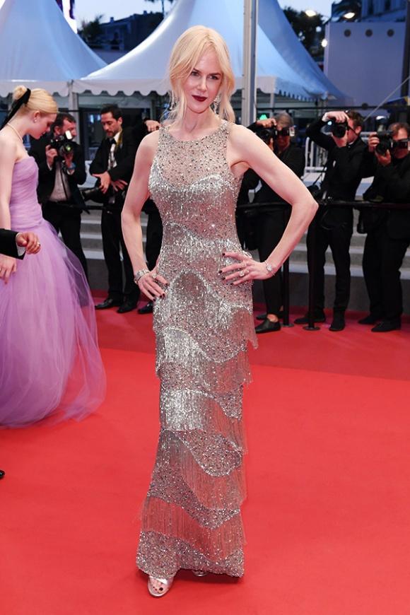 Phạm Băng Băng đã chịu lấy lại phong độ, đẹp không thua kém Elle Fanning trên thảm đỏ Cannes - Ảnh 18.