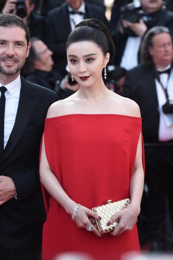 Phạm Băng Băng đã chịu lấy lại phong độ, đẹp không thua kém Elle Fanning trên thảm đỏ Cannes - Ảnh 3.