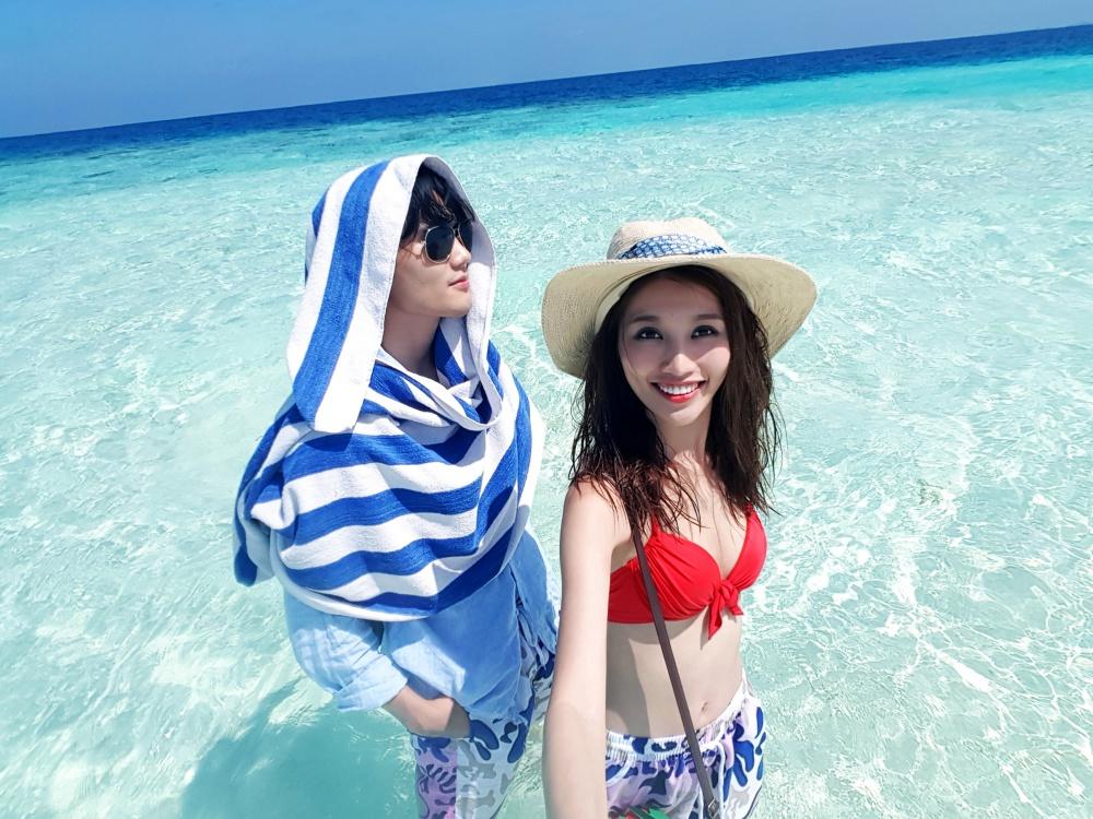 Quang Hùng – Quỳnh Châu khoe ảnh khóa môi hạnh phúc tại thiên đường Maldives - Ảnh 6.