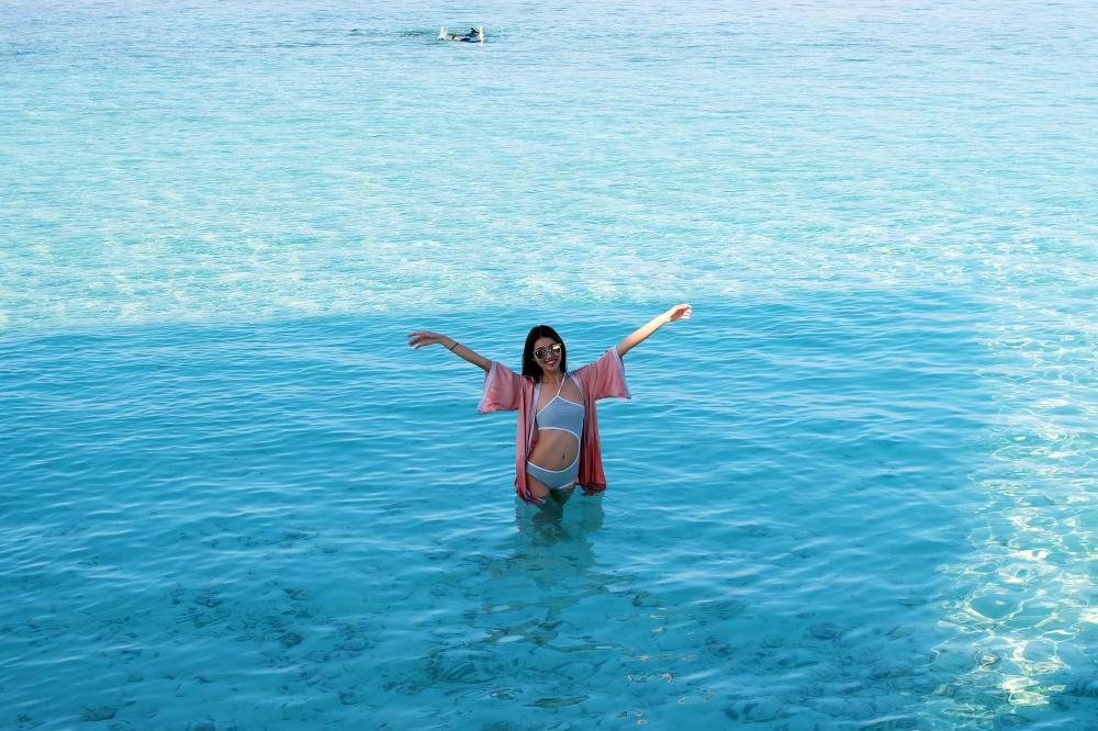 Quang Hùng – Quỳnh Châu khoe ảnh khóa môi hạnh phúc tại thiên đường Maldives - Ảnh 4.