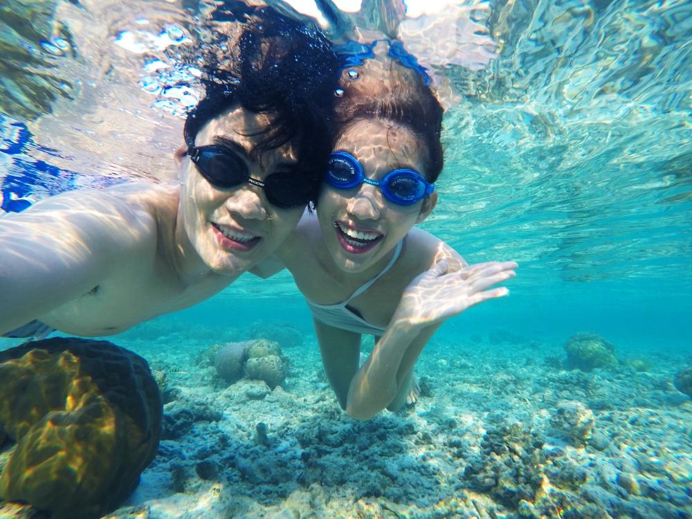Quang Hùng – Quỳnh Châu khoe ảnh khóa môi hạnh phúc tại thiên đường Maldives - Ảnh 2.