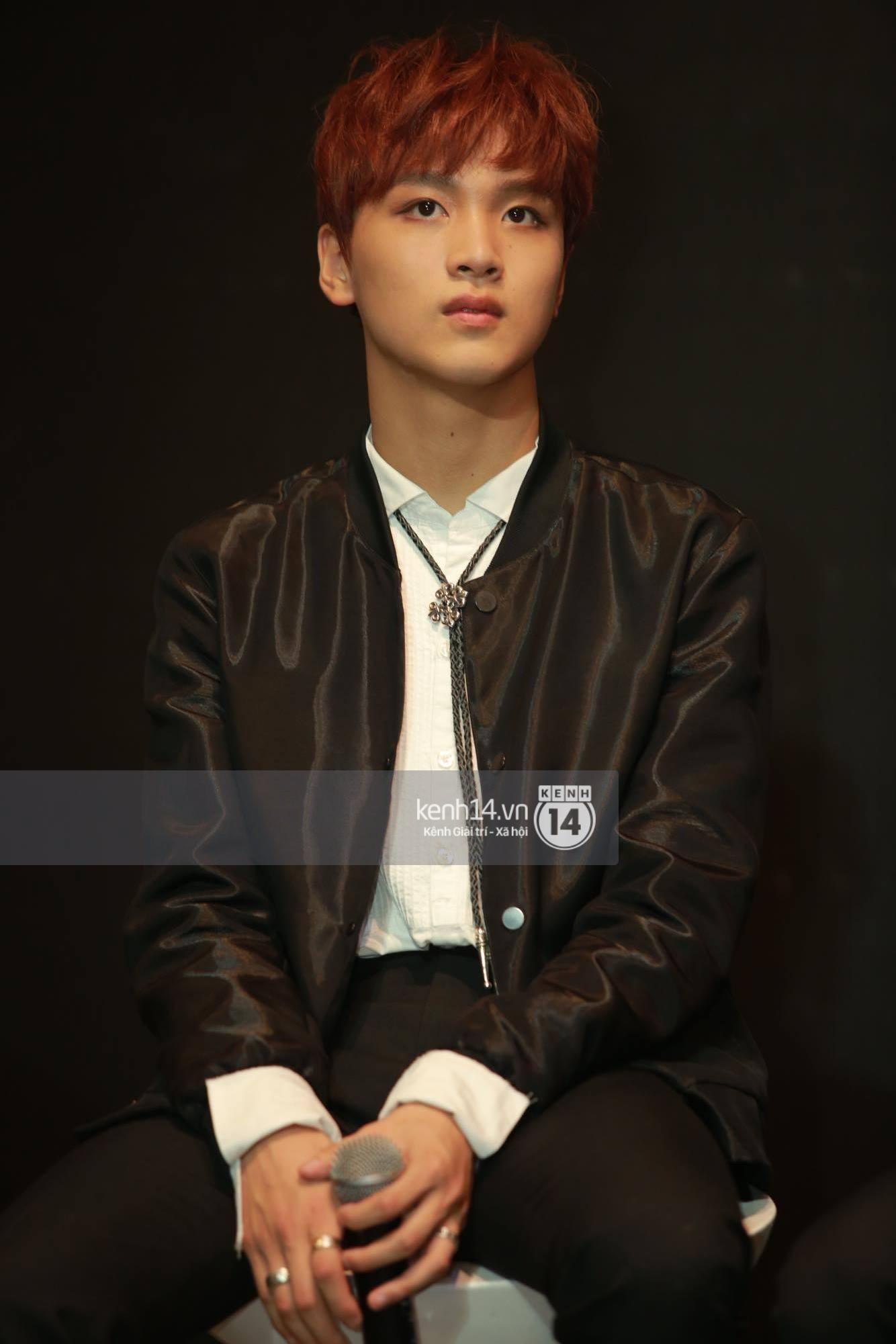 Mỹ nam Taeyong tiết lộ muốn ở lại Việt Nam, NCT 127 đồng loạt tỏ tình Anh yêu em với fan tại họp báo ở Hà Nội - Ảnh 27.