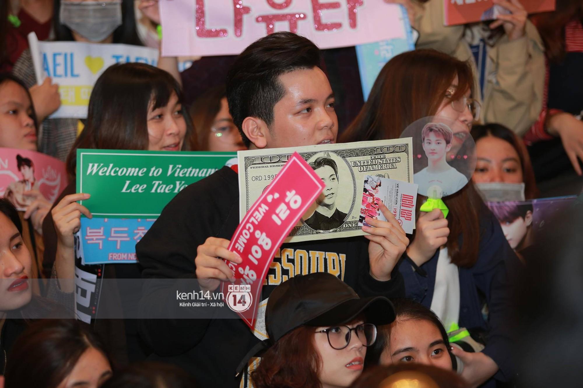 Mỹ nam Taeyong tiết lộ muốn ở lại Việt Nam, NCT 127 đồng loạt tỏ tình Anh yêu em với fan tại họp báo ở Hà Nội - Ảnh 29.