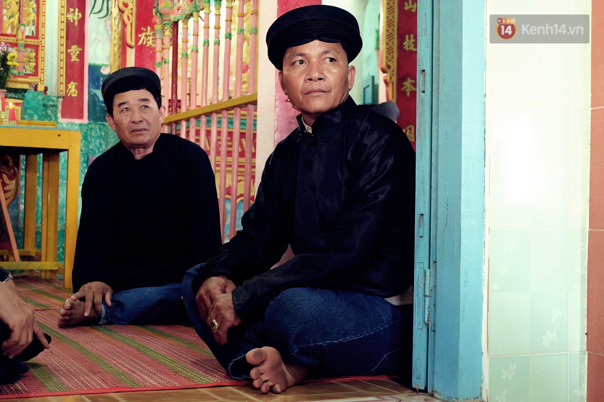 Gánh hát bội trăm tuổi trên đảo Phú Quý: Ngày thường chúng tôi là ngư dân đánh cá, bước lên sân khấu là nghệ sỹ - Ảnh 13.