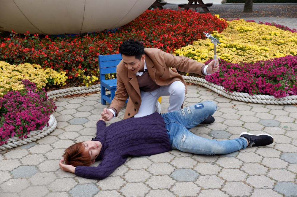 Đông Nhi – Ông Cao Thắng cùng học trò trổ tài cover vũ đạo Kpop cực lầy tại Hàn Quốc - Ảnh 8.