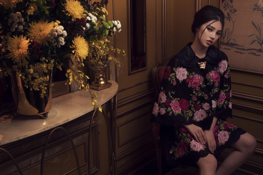 Jolie Nguyễn quyến rũ khó cưỡng với phong cách cổ điển - Ảnh 4.
