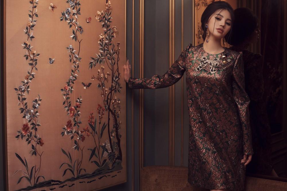 Jolie Nguyễn quyến rũ khó cưỡng với phong cách cổ điển - Ảnh 10.
