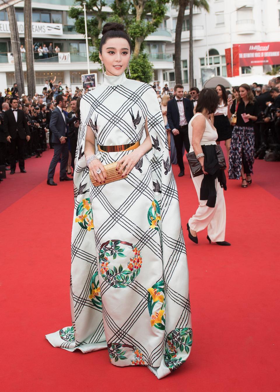 Phạm Băng Băng lại được RCFA (Mỹ) vinh danh là Ngôi sao quốc tế mặc đẹp nhất thế giới - Ảnh 4.