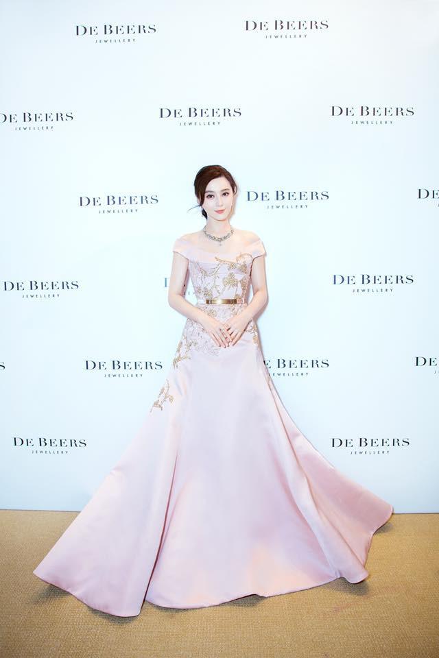 Phạm Băng Băng lại được RCFA (Mỹ) vinh danh là Ngôi sao quốc tế mặc đẹp nhất thế giới - Ảnh 5.