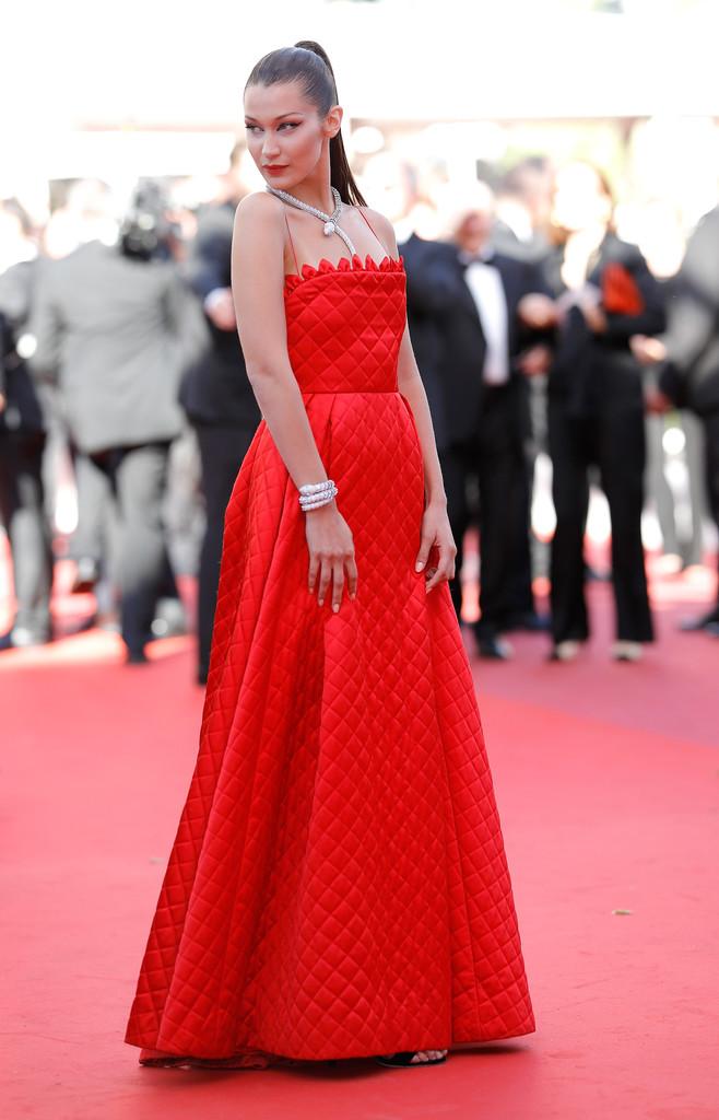 Hoa hậu Aishwarya Rai đẹp như Lọ Lem, chặt chém dàn mỹ nhân trên đấu trường nhan sắc Cannes! - Ảnh 13.