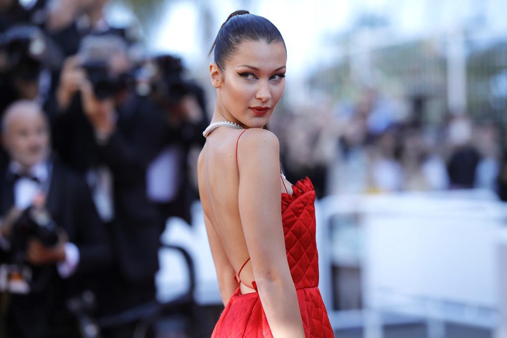 Hoa hậu Aishwarya Rai đẹp như Lọ Lem, chặt chém dàn mỹ nhân trên đấu trường nhan sắc Cannes! - Ảnh 11.