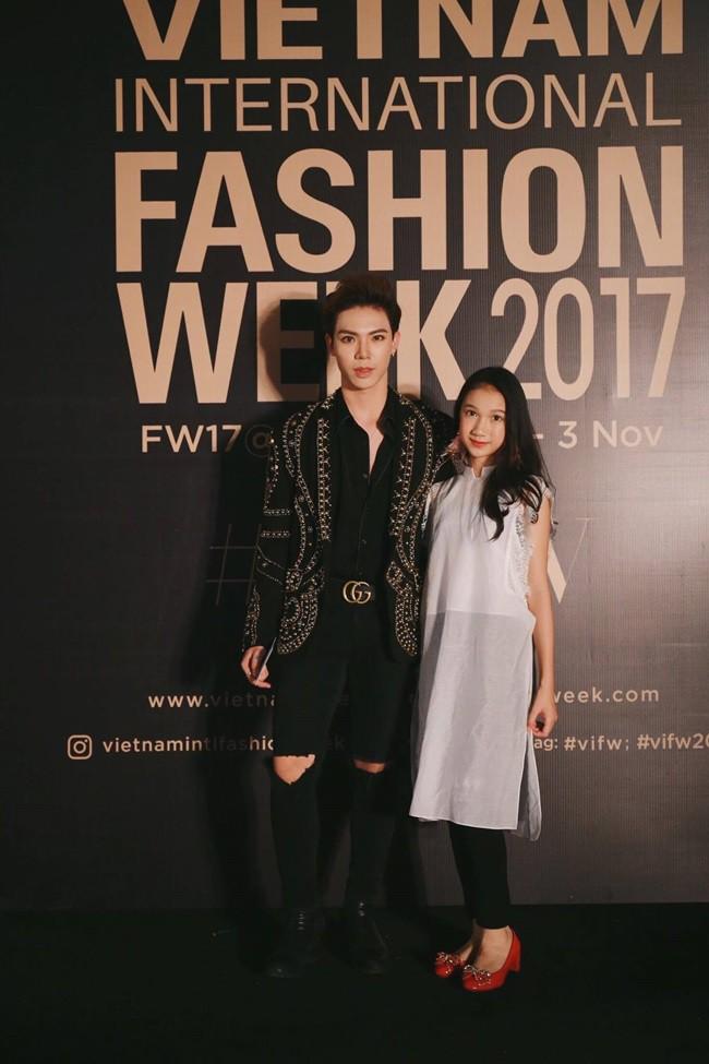 Và đây chính là 8 bộ cánh đã thống trị Vietnam International Fashion Week mùa này - Ảnh 8.