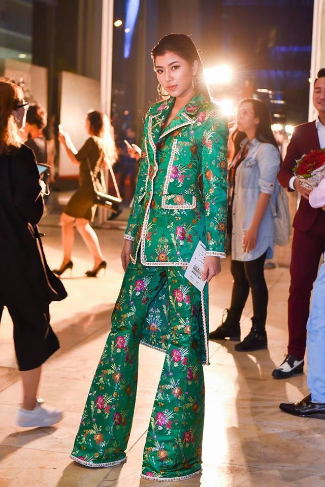 Và đây chính là 8 bộ cánh đã thống trị Vietnam International Fashion Week mùa này - Ảnh 2.