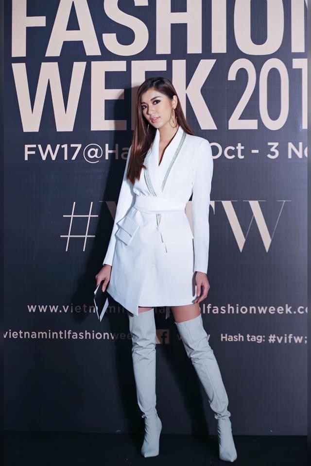 Và đây chính là 8 bộ cánh đã thống trị Vietnam International Fashion Week mùa này - Ảnh 3.