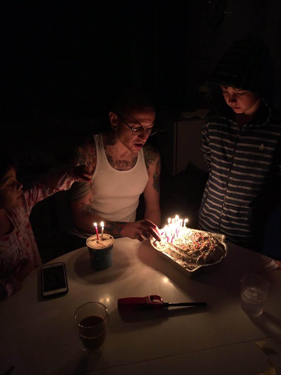 Chester (Linkin Park) đã có một gia đình hạnh phúc trước khi anh tự tử - Ảnh 9.