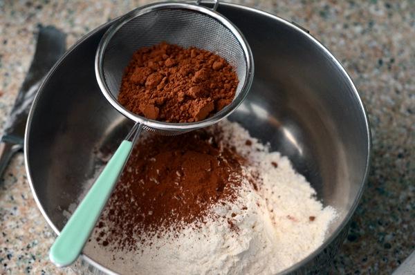 """Thêm một nguyên liệu đơn giản để biến chocolate thành món """"sang chảnh"""" - Ảnh 1."""