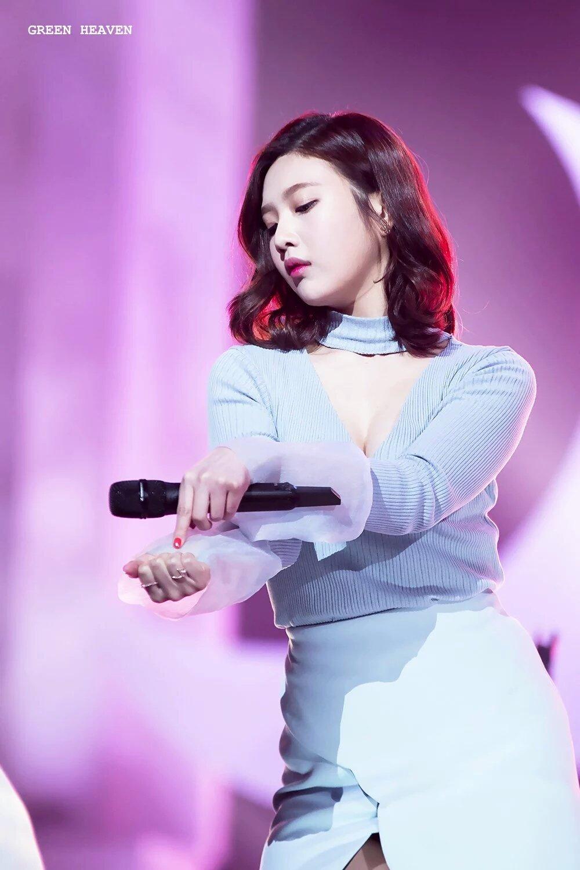 Người ta mải mê khen ngợi nữ thần Irene mà quên đi một mỹ nhân sexy khác của Red Velvet - Ảnh 6.