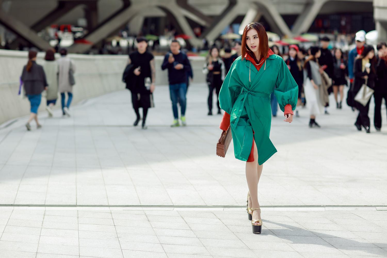 Đơn thương độc mã tại Seoul Fashion Week mùa này, nhưng độ cool của Châu Bùi chẳng hề giảm sút - Ảnh 8.