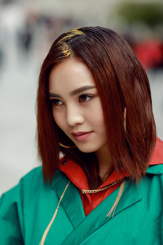Đơn thương độc mã tại Seoul Fashion Week mùa này, nhưng độ cool của Châu Bùi chẳng hề giảm sút - Ảnh 10.