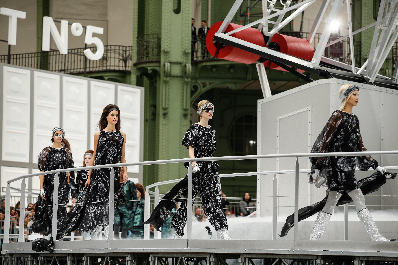 Dior không lọt top những BST xuất sắc nhất Tuần lễ thời trang Paris của Vogue - Ảnh 6.