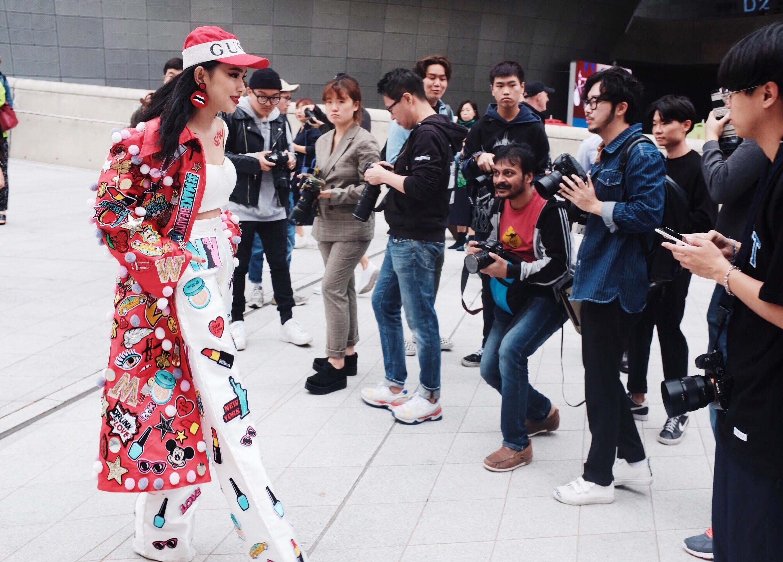 Đơn thương độc mã tại Seoul Fashion Week mùa này, nhưng độ cool của Châu Bùi chẳng hề giảm sút - Ảnh 3.