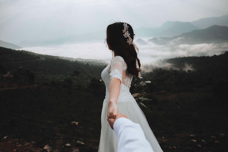 10 việc cần hiểu khi bạn yêu một người có gia đình không hạnh phúc - Ảnh 3.