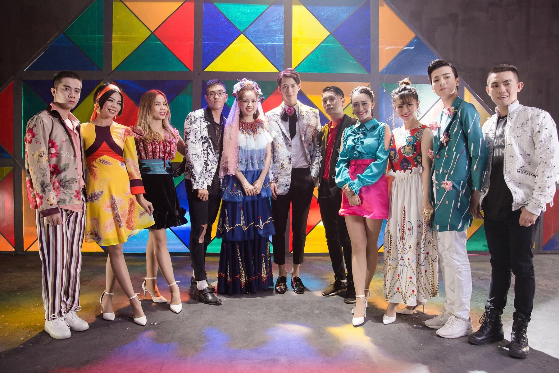 Thời trang trong MV của Chi Pu: là chơi lố hay phong cách màu mè có chủ đích rõ ràng? - Ảnh 6.