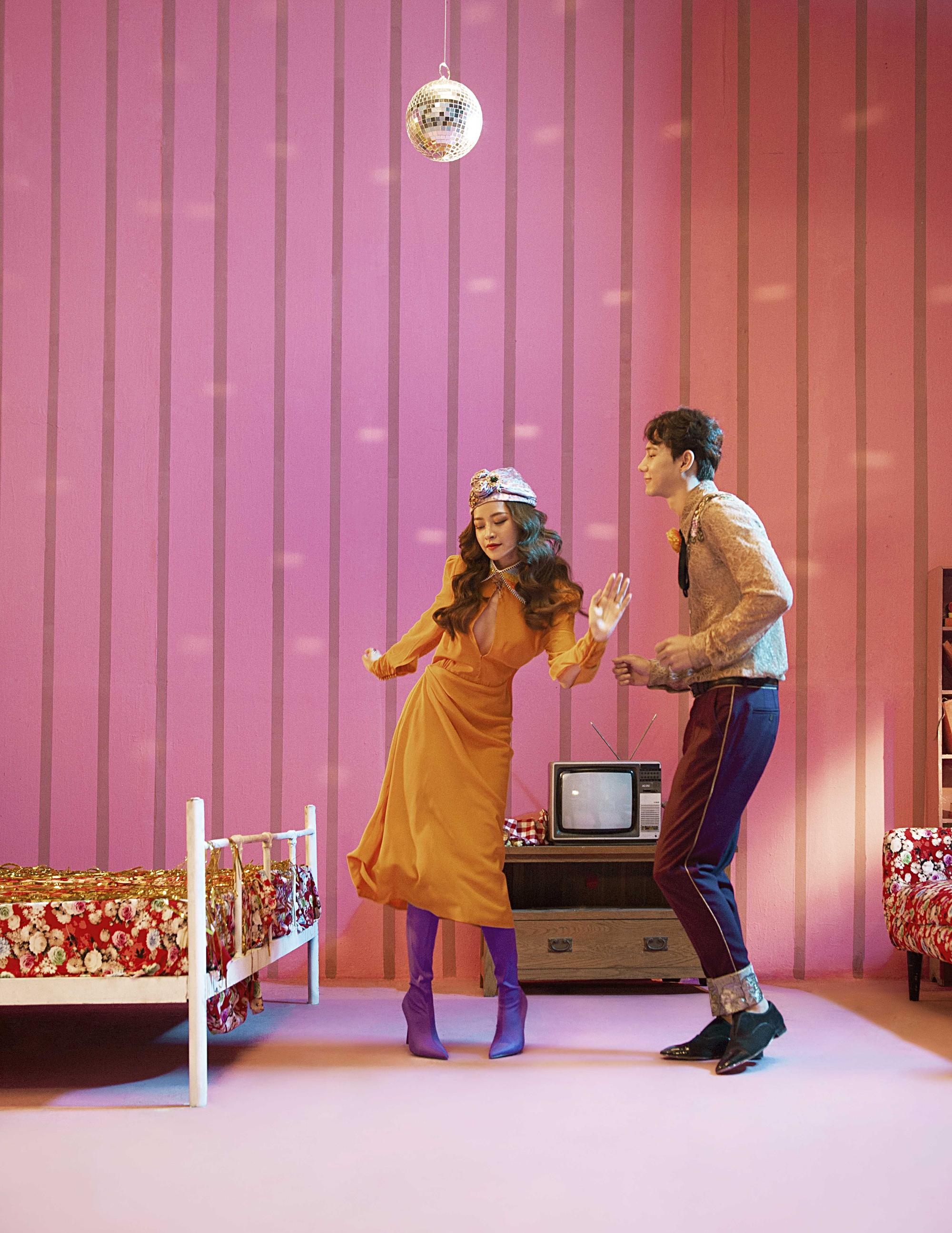 Thời trang trong MV của Chi Pu: là chơi lố hay phong cách màu mè có chủ đích rõ ràng? - Ảnh 7.
