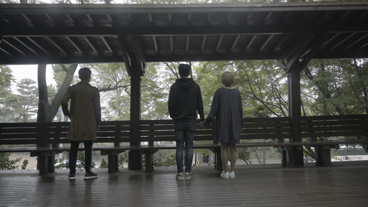 Chí Thiện đưa nhiều cảnh lãng mạn kinh điển của phim Hàn vào MV mới - Ảnh 12.