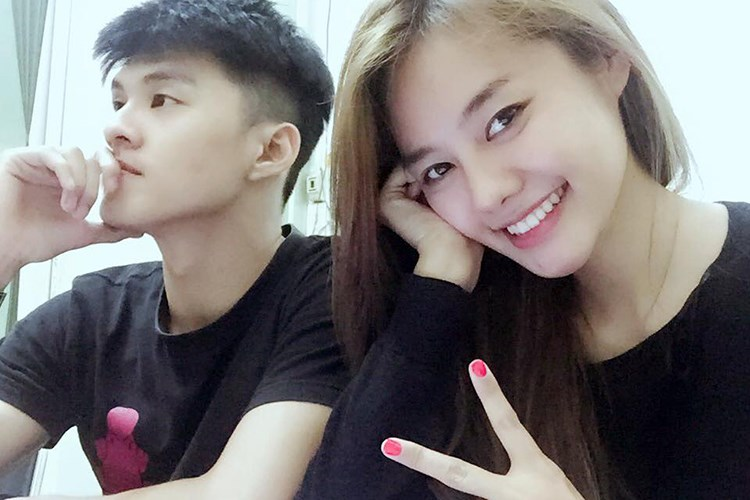 Linh Chi đăng clip đùa giỡn phản cảm, úp miếng dán ngực lên mắt Lâm Vinh Hải - Ảnh 4.
