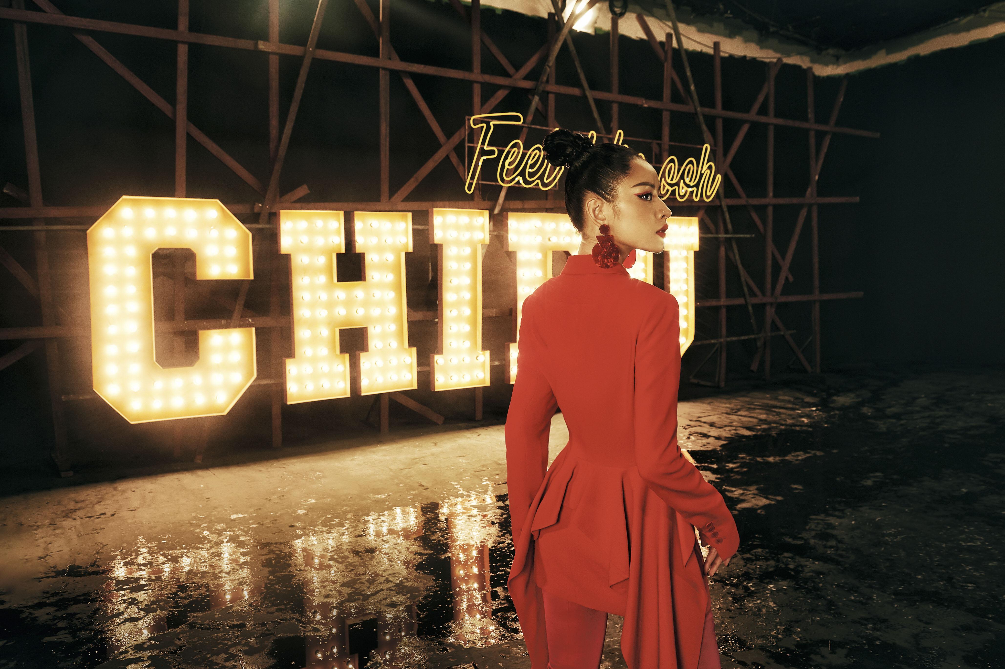 """MV """"Từ Hôm Nay"""" (Feel Like Ooh) - phát pháo đầu tiên cho vai trò ca sĩ của Chi Pu đã chính thức trình làng! - Ảnh 8."""