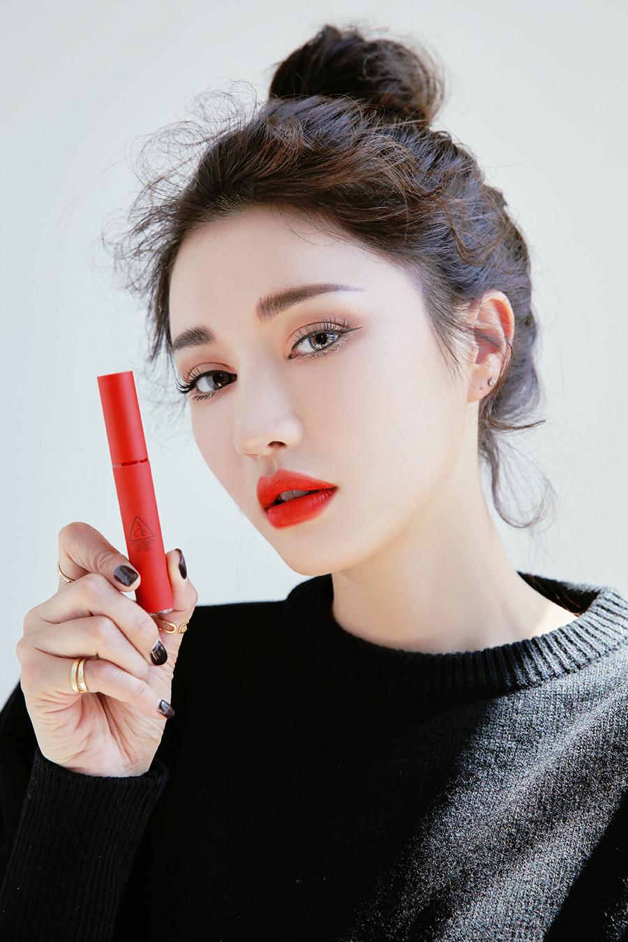 3CE vừa ra son kem lì 10 màu đẹp mê ly giá chỉ 300.000 VNĐ, con gái Việt ngay lập tức bật báo động cấp 1 - Ảnh 24.