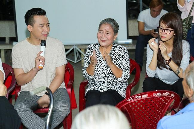 An Nguy, Trấn Thành không kìm được nước mắt trong buổi chúc tết các nghệ sĩ già - Ảnh 9.