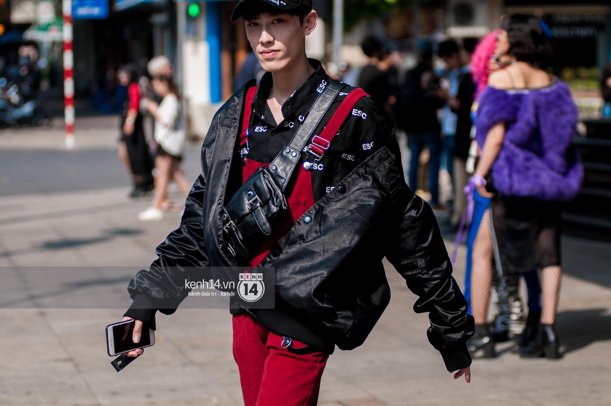 Street style ngày 2 VIFW: Dàn mẫu danh tiếng nhập cuộc, giới trẻ Hà thành thi nhau khoe phong cách dị cùng loạt màu tóc nổi bần bật - Ảnh 5.