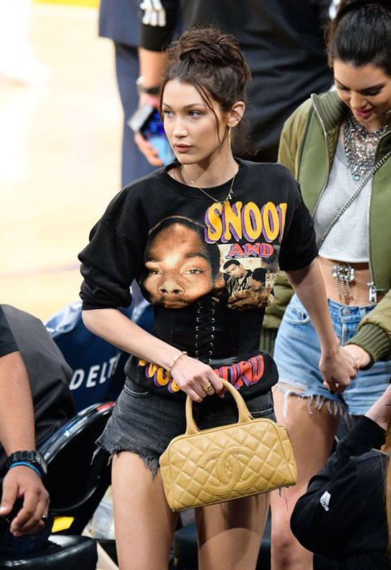 Tóc Tiên, Hương Giang Idol... đua nhau khoe eo với mốt diện corset cùng đồ thun như nhà Kardashian - Ảnh 14.