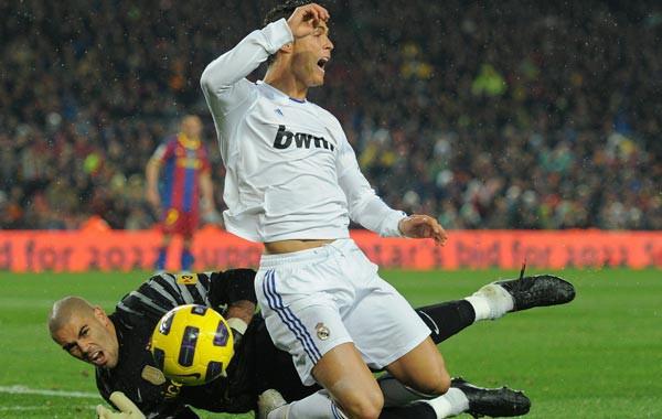 7 lý do khiến Ronaldo có cả triệu anti-fan - Ảnh 4.