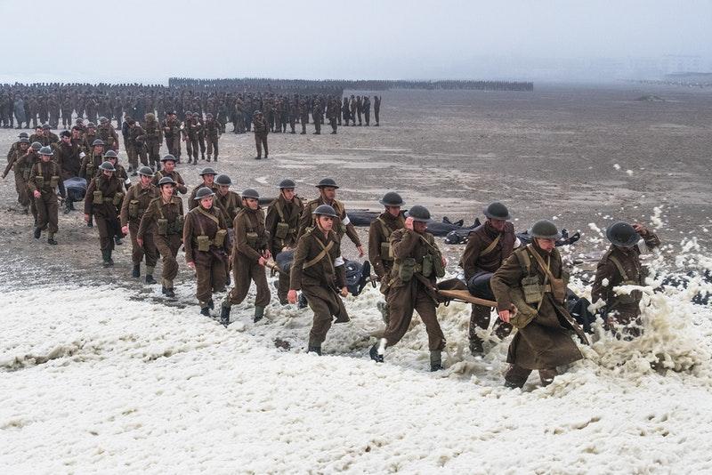 Dunkirk đè bẹp các tân binh để tiếp tục dẫn đầu tại phòng vé