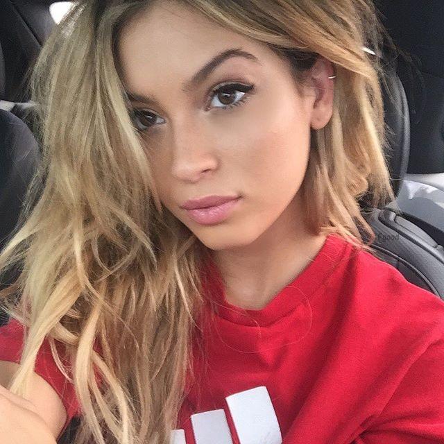 fucking hot blonde selfie