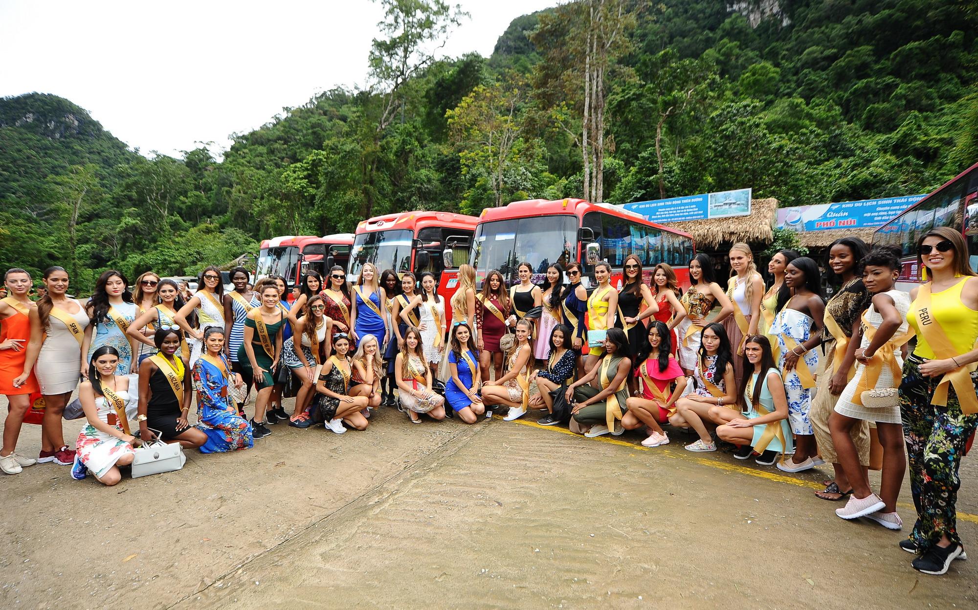 Huyền My xinh đẹp đọ sắc cùng các thí sinh Miss Grand International tại động Thiên Đường - Ảnh 3.