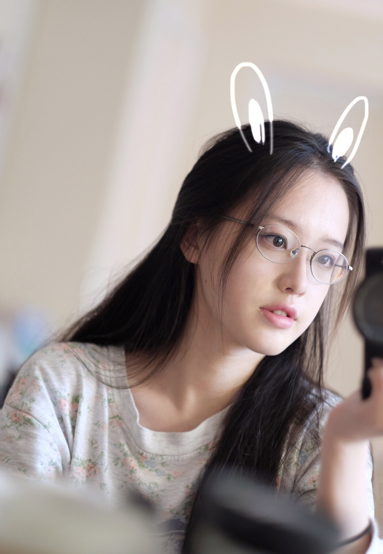 Cô bạn con nhà tài phiệt Trung Quốc đẹp dịu dàng được ví như hot girl trà sữa thứ 2 - Ảnh 1.