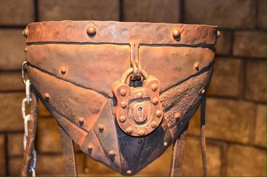 90% người sẽ ngã ngửa khi biết sự thật về chiếc đai trinh tiết thời Trung Cổ - Ảnh 1.