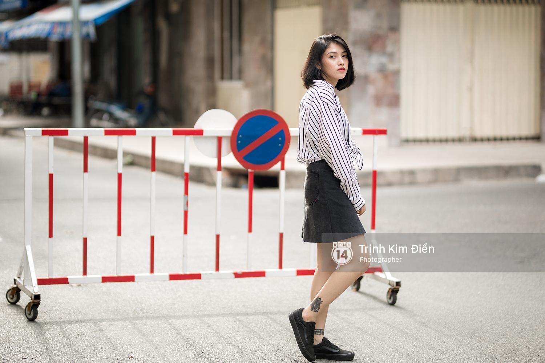 Toàn quất trắng đen nhưng street style của giới trẻ 2 miền chẳng hề nhàm chán mà còn nổi hết cỡ - Ảnh 2.