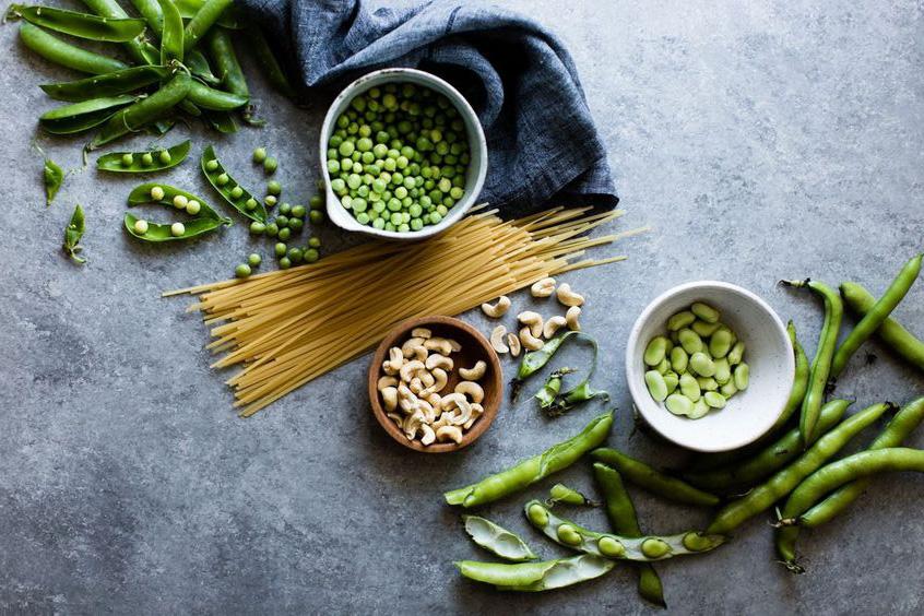 Đang có kinh nguyệt thì nên ăn gì và kiêng gì để giảm bớt mệt mỏi? - Ảnh 1.