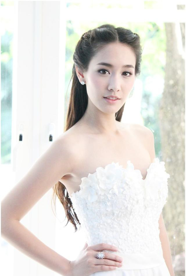 Đọ mặt mộc 100% của loạt mỹ nhân hàng đầu showbiz Thái: Có khi còn đẹp hơn cả trang điểm - Ảnh 28.
